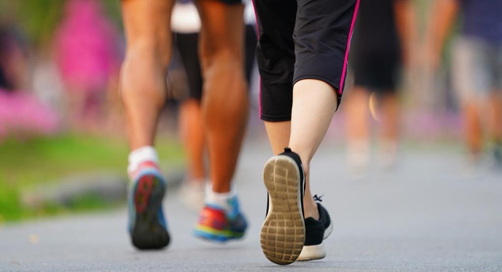 کار گروهی بدن در تناسب اندام با پیاده روی