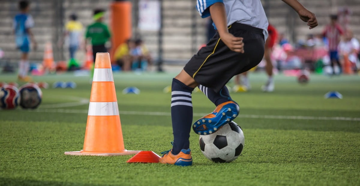 آموزش دریبل زدن فوتبال